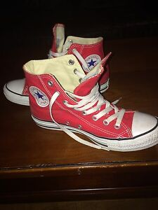 High Top size 8.5 red Converse