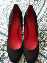 Brand new guess sparkly heels size 8 Strathpine Pine Rivers Area Preview