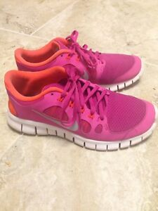 Nike Free - Excellent Condition - 7Y / 8 Women's