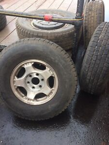 Great set of 4+1 Michelin tires
