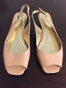Women's gently used Liz Claiborne Shoes