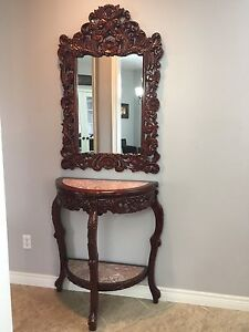 Mirror and table set