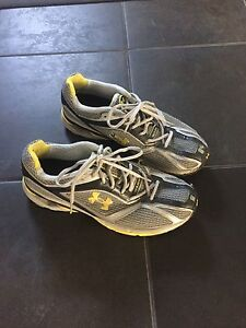Souliers Under Armour comme neuf