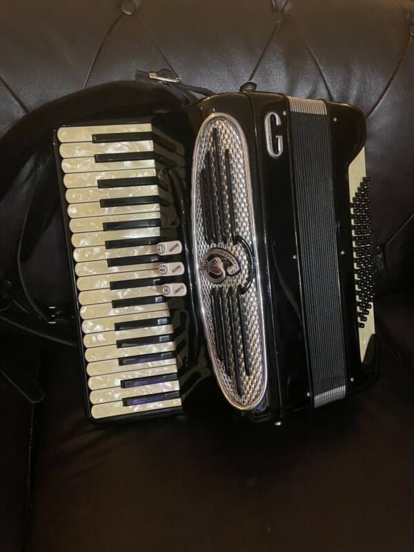Accordion Giulietti Petite 72 Bass