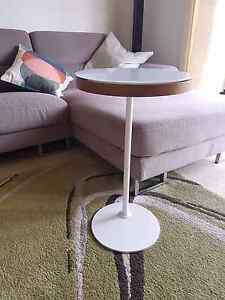 Stylish Side Table - $35 ono Coogee Eastern Suburbs Preview
