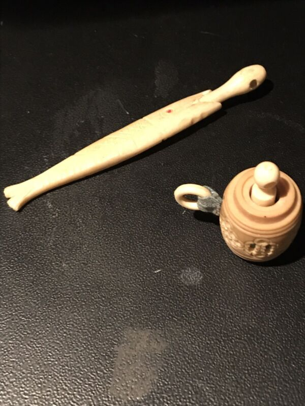 "Bone Fish Needle Case w/ Stanhope ""Cyclorama Bldg. "" & Carved Tape measure"