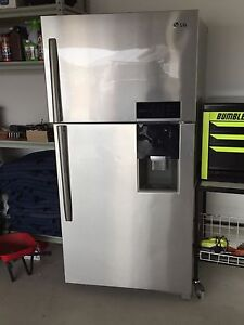 LG 564L Fridge Freezer Sippy Downs Maroochydore Area Preview