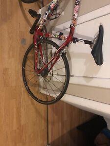 Vélo specialized  a vendre deal d'hiver  Urgent!!!!