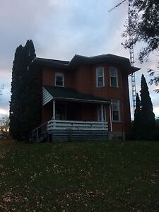 Country home available immediately  Peterborough Peterborough Area image 1
