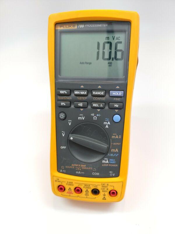 Fluke 789 ProcessMeter - digital multimeter and mA loop calibrator