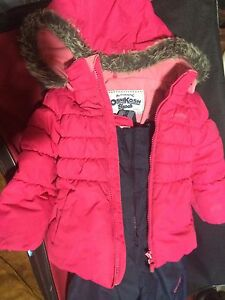 Snow coat and pants size 4 Windsor Region Ontario image 1