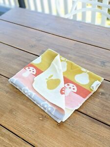 Designer reversible pram / cot blanket