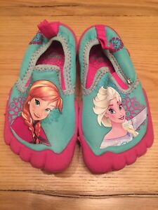 Frozen toddler water shoes size 8