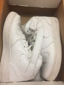 Men's Nike Air Force 1 MID ' 07. Size 8/women's 10