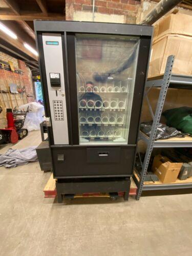 SAVAMCO/SEAGA VENDING MACHINE FROZEN FOOD HF-3000