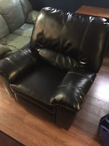 Automatic reclining leather chair