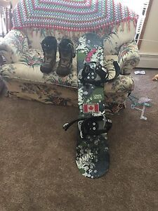 Lamar snowboard with firefly bindings and vans boots