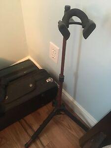 Violin stand 40$ obo