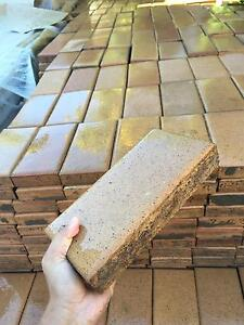 3000pc very good condition 2nd hand paver for sale Cleveland Redland Area Preview