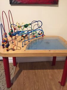 EDUCO GOING PLACES LG SAND & BEAD MAZE ACTIVITY TABLE