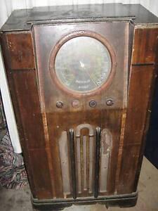 Radio Antique cabinet - restorers delight Yarrawarrah Sutherland Area Preview