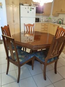 octagon shape solid wood table with chairs