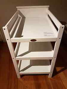 Mothers Choice Baby Change Table - White Aspendale Gardens Kingston Area Preview