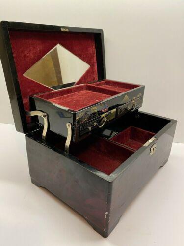 "Vintage Large Japanese Mount Fuji Lacquered Jewelry Box 10.5"" x 7.5"""