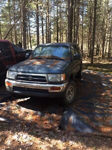Toyota 4Runners $600 firm