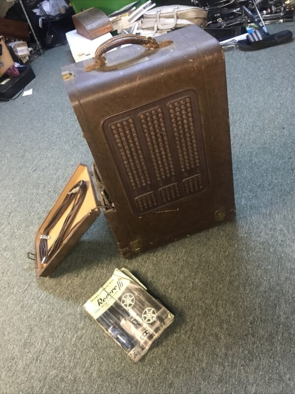 Revere S-16 Sound 16mm Movie Projector Vintage Built in Speaker in Case Untest