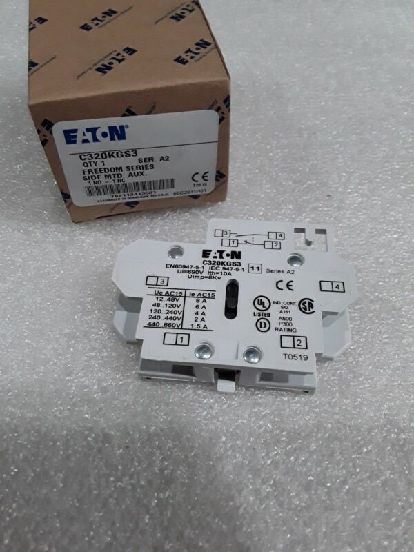 C320KGS3 Eaton Freedom Series A2 Side Mount 1NO-1NC Auxiliary Contact NEW