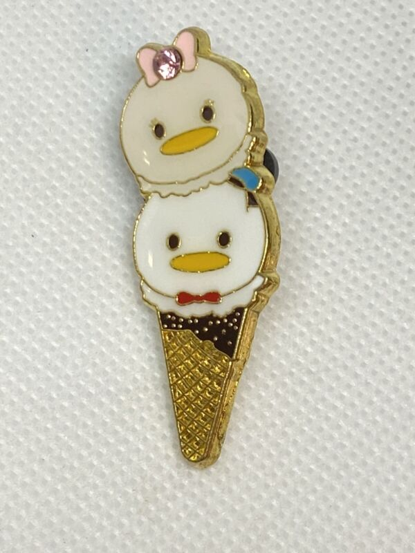Disney Trading Pin - Daisy and Donald Tsum Tsum Ice Cream Cone
