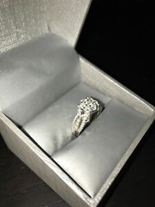 Diamond Engagement ring *never worn*