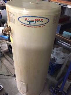 PLUMBERS CLEARANCE: Hot Water Heaters x 3 and Electric Eel