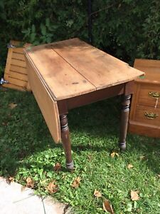 Drop leaf one board top table