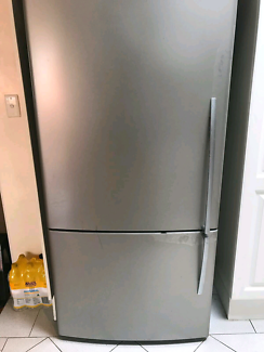 520 Litre Stainless Steel Fisher & Paykel Fridge 3yo Left Handed