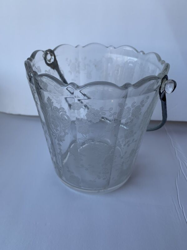 VTG 1939 - 1958 No. 957 Etch 3625 CHANTILLY by Cambridge COLORLESS Ice Bucket.