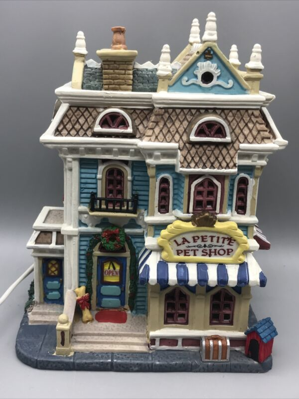TESTED GOOD Lemax Village Collection La Petite Pet Shop 2006 Lighted House 65445