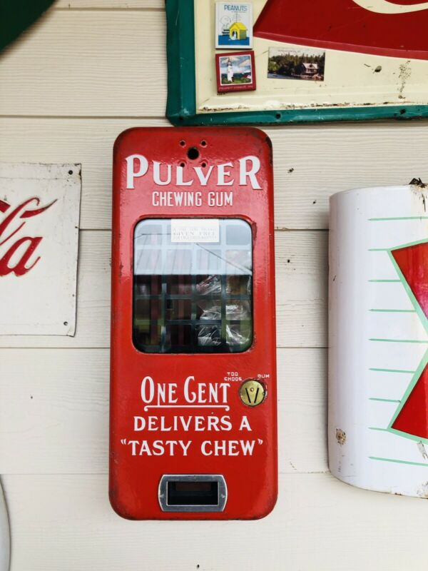 Vintage Porcelain Pulver One Cent Gum Machine Yellow Kid w/keys working
