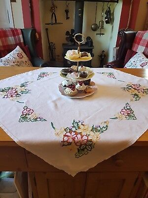 Vintage Linen Embroidered Cutwork Floral Design Tablecloth, 103cm x 95cm