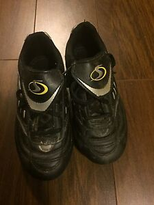 Toddler size 12 soccer shoes