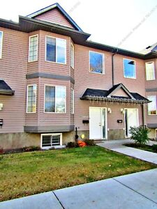 BEAUTIFUL 3BDRM TOWNHOME W/ SINGLE GARAGE IN CENTRAL LOCATION