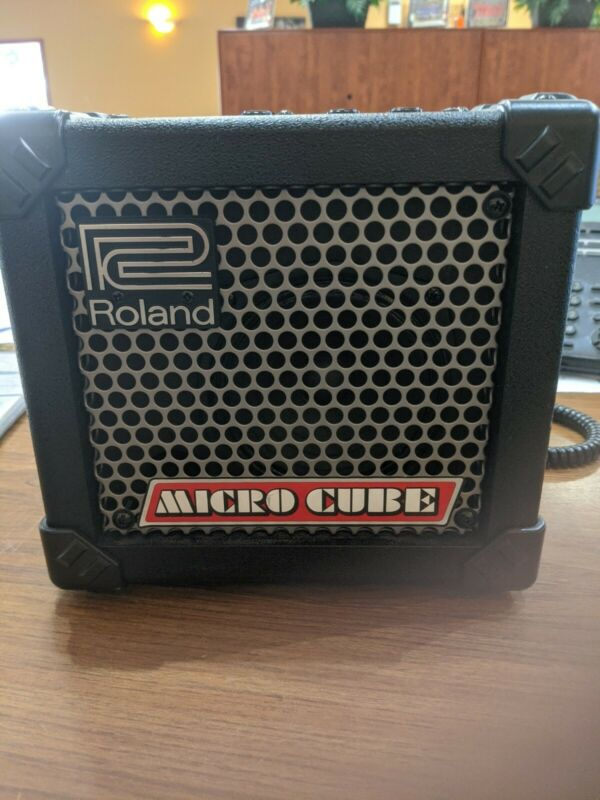 Roland MICRO CUBE  Amplifier Very Good Condition  No Adapter