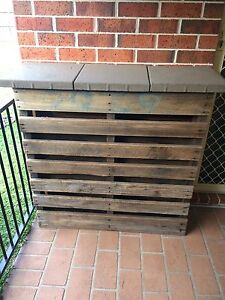 Pallet bar table Wattle Grove Liverpool Area Preview