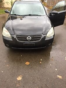 1500 firm don't miss out altima SE V6