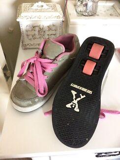 Wanted: L@@k Bargain girls skate shoes