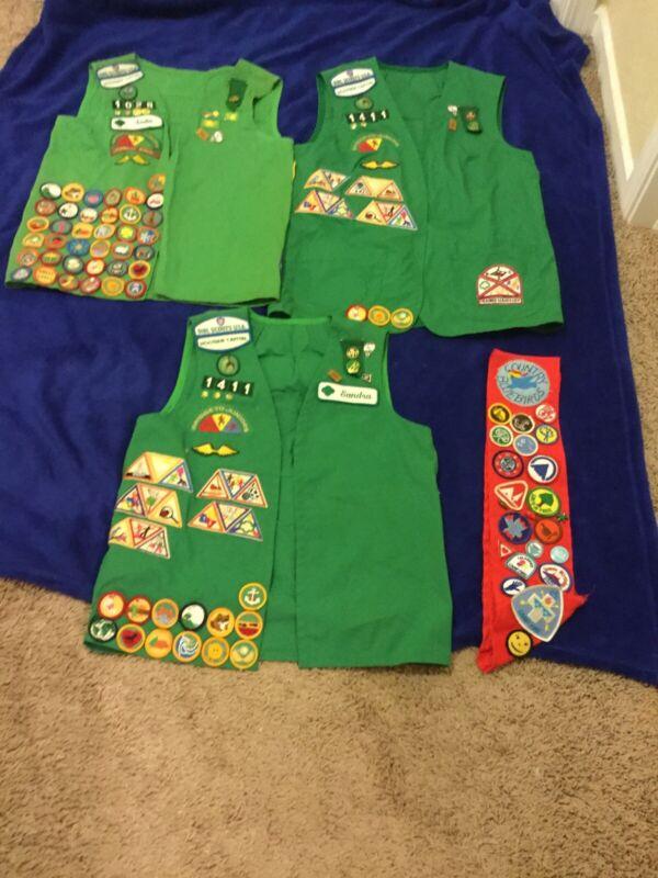 Vintage Girl Scout Vest/Uniform/Stash Over 200 Patches/Pins 80's Lot Of 4, Indy