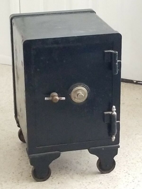 ANTIQUE FLOOR SAFE Working + Coffer, Tray & Key York Victor Yale PICKUP ONLY