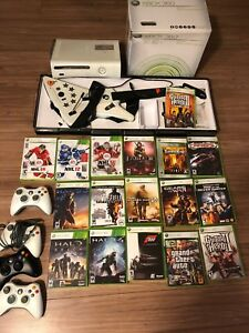 Xbox 360 4 controllers 17 games