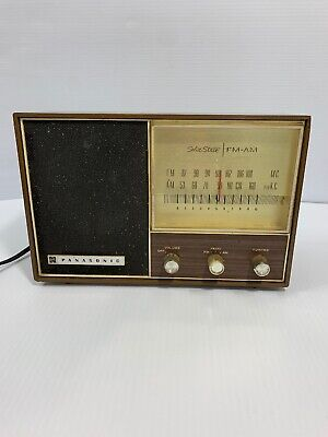 Vintage Panasonic Solid State  F.M.- A.M. Electric Radio RE-7327